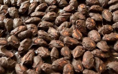 Amêndoas com chocolate preto